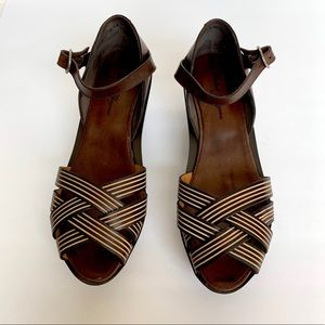 ROBERT CLERGERIE Brown Platforms Cross Strap